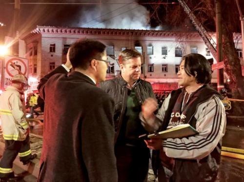 旧金山华埠附近楼宇发生四级大火 无人员伤亡