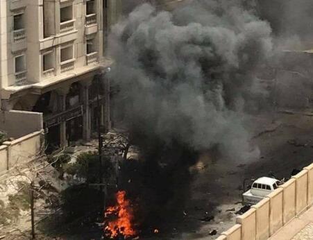 埃及最大海港城市突发爆炸至少1死 现场浓烟滚滚
