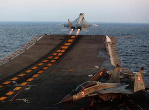 """印度""""维克拉玛蒂亚""""号航空母舰(资料图)"""