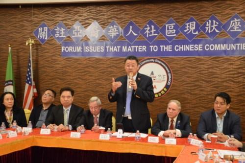 陈善庄呼吁华裔民众积极参与投票,遇不公勇敢发声。(美国《世界日报》/牟兰 摄)