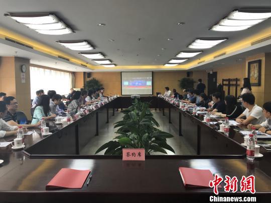 中国技术创业协会留学人员创业园联盟与北京理工大学人事处达成合作,双方签订战略协议。 周欣嫒 摄