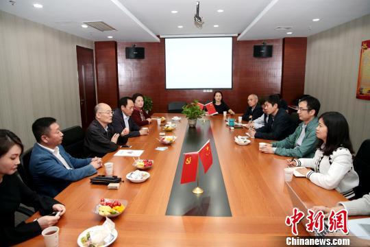 中国华文教育基金会理事长赵阳走访西安教育机构