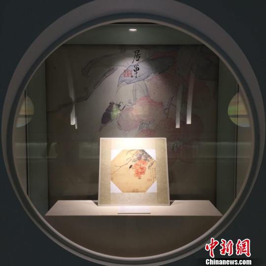 """""""岭南画派世纪经典展""""在广州白云机场开展 郭军 摄"""