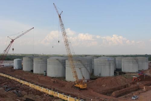 万象赛色塔综合开发区内的老挝第一个石油炼化项目1.jpg