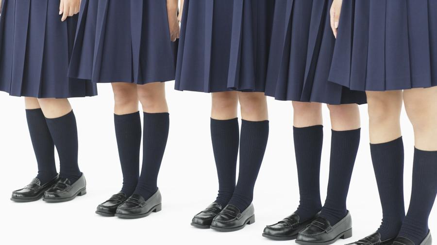 穿长裤太热?英国学校:加入女同学,穿裙子!