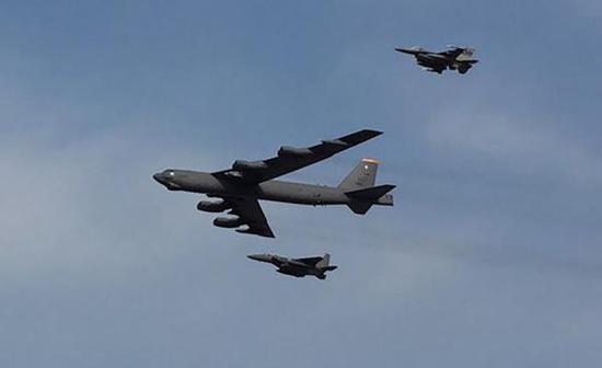 美国空军B-52轰炸机