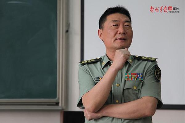 军改大潮中 这名一身戎装的作协副主席有了新职务
