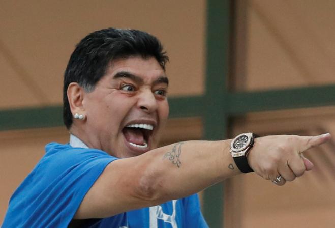 阿根廷球王马拉多纳