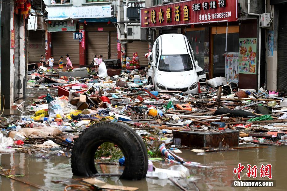 """强台风""""玛莉亚""""袭来 福建牙城一片狼藉"""