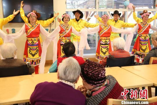 舞蹈《吉祥谣》。 樊南 摄
