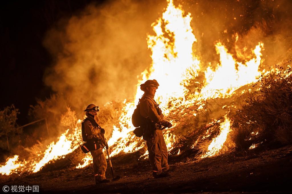 """美国加州北部""""卡尔""""山火已致10人死亡"""