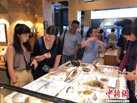 天地台联台湾创意中国研习营闽参访台青创业基地。 郑抒婷 摄