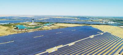 """沙漠里长出太阳能""""硅谷"""""""