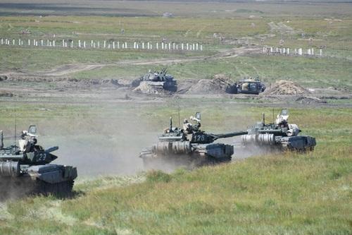 78集团军某旅坦克群突击 杨再新摄影  (33).jpg
