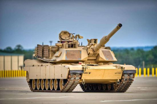 M1A2艾布拉姆斯主战坦克