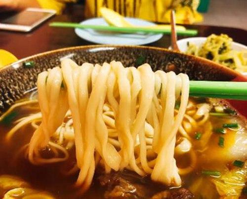 这家手工台湾拉面店,牛肉比面还要多2.jpg
