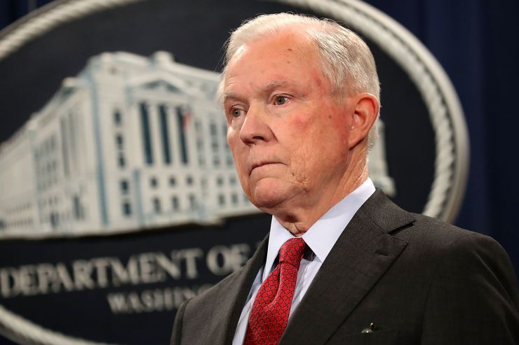 美国司法部长塞申斯辞职_其幕僚长将任代理部长