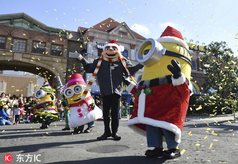 """日本举办圣诞主题活动 """"小黄人""""满场跑嗨爆了"""