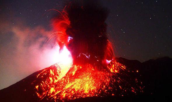 japan-volcano-1045435.jpg