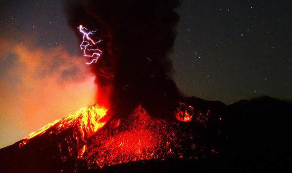 japan-volcano-1600584.jpg