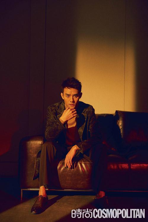 王凯冬季霸屏登杂志开年刊封面 光影如画打造绅士格调【6】