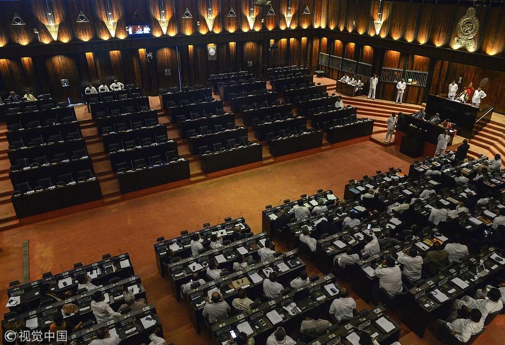 斯里兰卡政局持续恶化 议会出现近半数空位