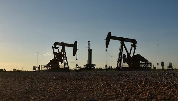 当全球油价下跌,俄罗斯帮委内瑞拉增产石油