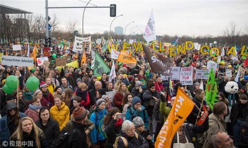 人类已站在十字路口,各国还忙着政治博弈