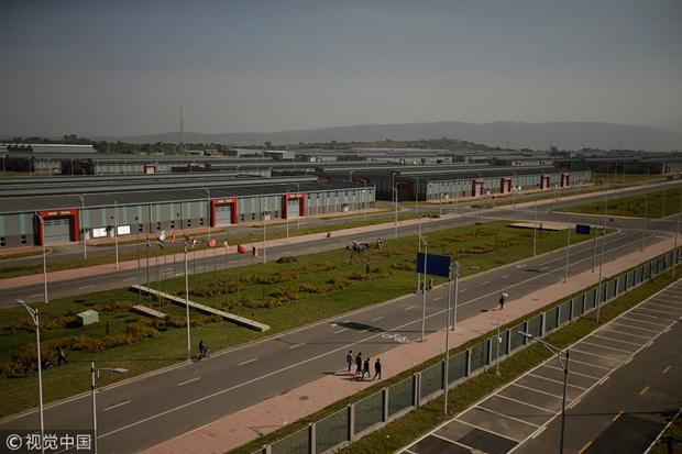 """西方报告:中国援建""""点亮""""非洲"""