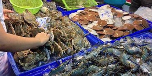 巴提雅LanPo海鲜市场,现买现做2.jpg