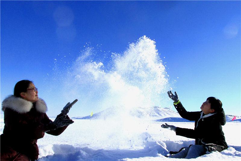 新疆裕民县冰雪冬韵迷人