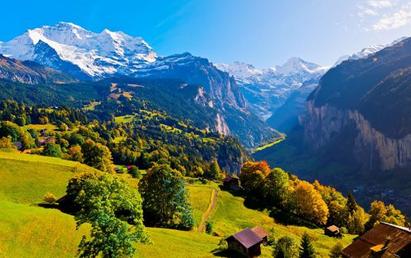 法国阿尔卑斯山发生雪崩 男孩被埋40分钟后获救
