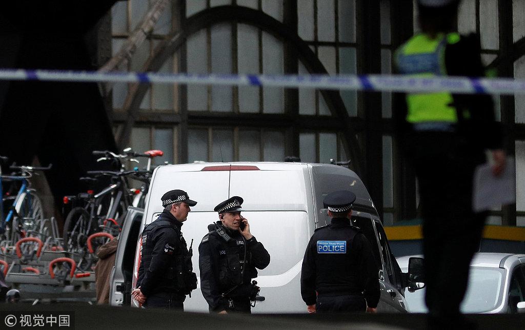 伦敦三大机场地铁交通枢纽同时发现含爆炸物包裹