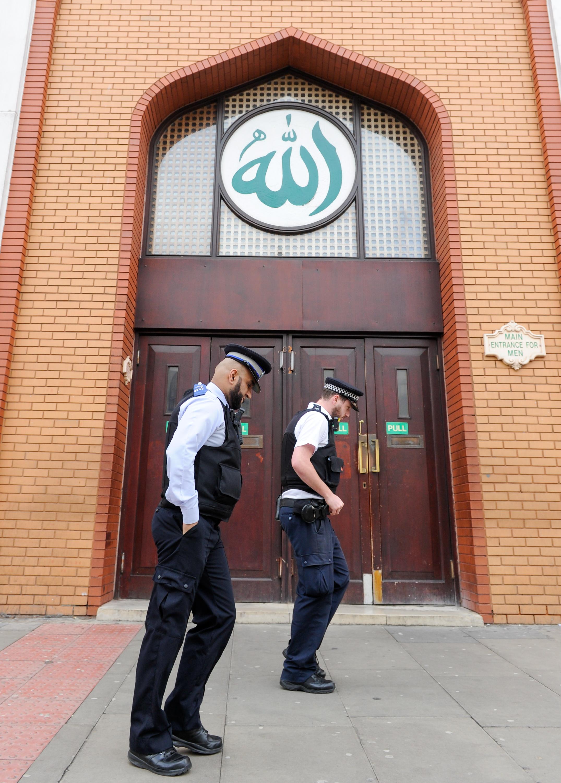 新西兰枪击惨案后 英法加强对宗教场所安保