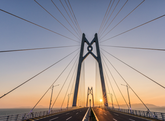 免加签政策促港珠澳大桥出入境车辆数量增长明显