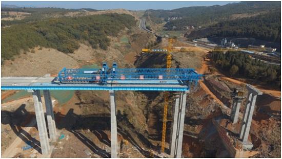 """中国自主研发""""搭积木""""建桥技术在云南成功应用"""