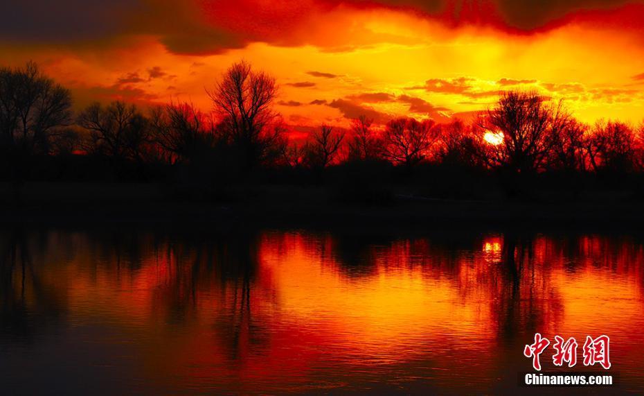 张张都是大片!额尔齐斯河现壮观晚霞