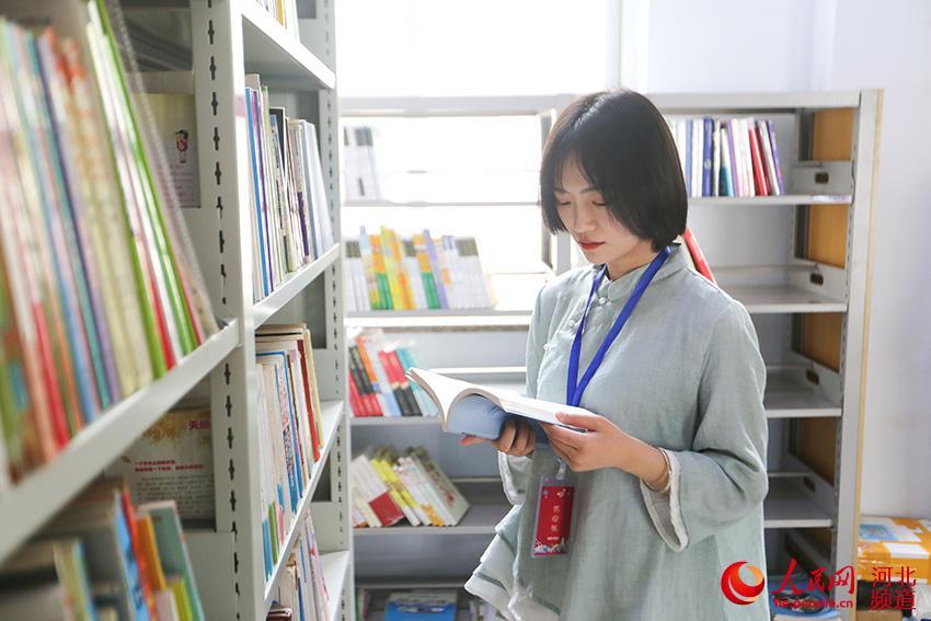 河北邢台:万名中小学生大型公益捐书活动启动