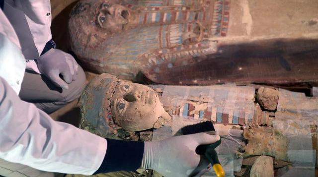 埃及现古王国时期墓地