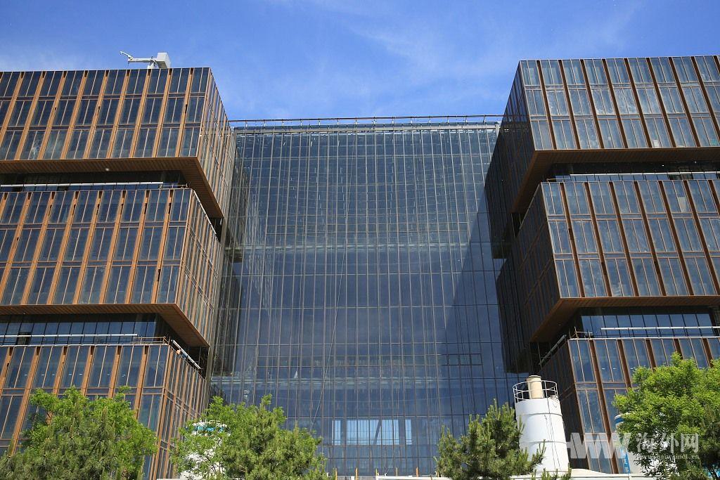北京:亚投行总部办公楼初现真容
