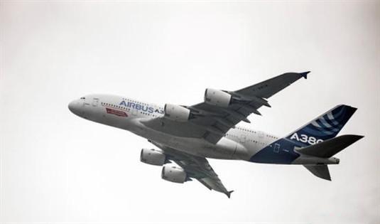 新加坡航空一客机因故障紧急降落新德里 无人伤亡