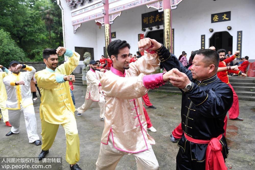 江西宜春:亚洲国家留学生体验中国传统文化