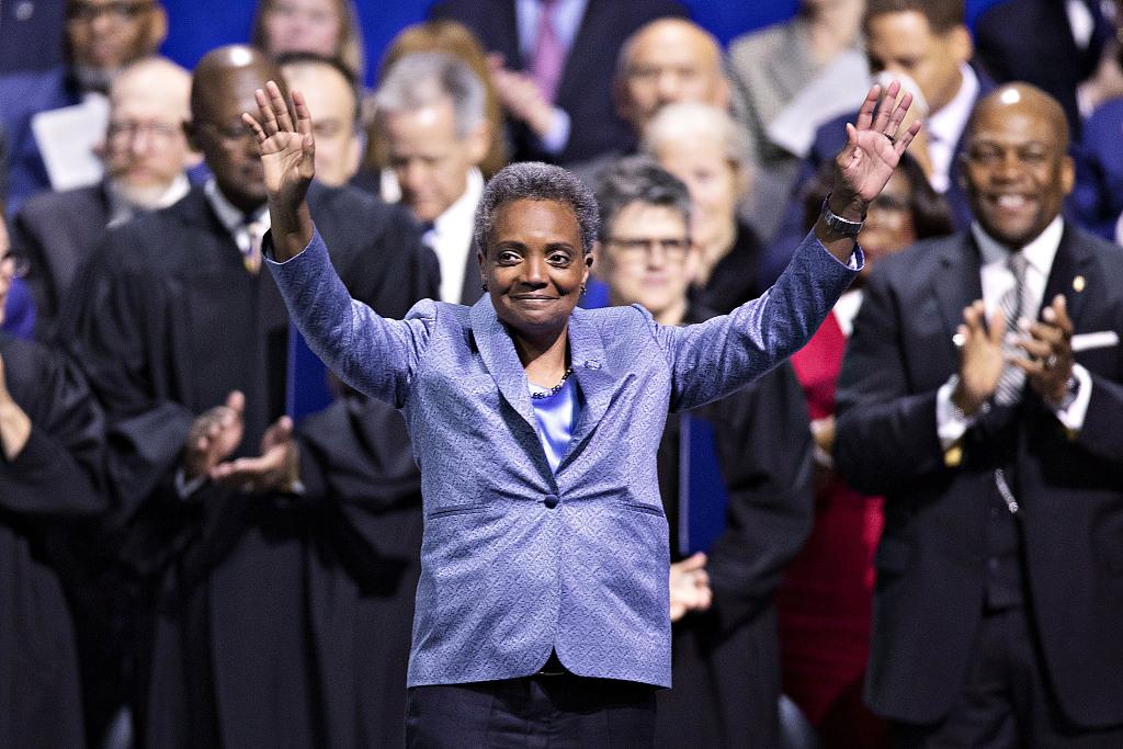 芝加哥首位非洲裔女市长正式宣誓就职