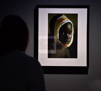 德国杜塞尔多夫举行女战地摄影师作品展
