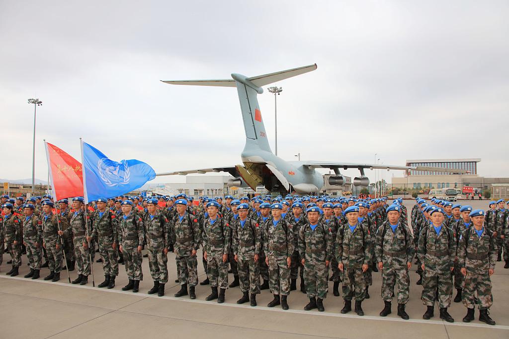中国第18批赴黎巴嫩维和部队搭乘专机出征