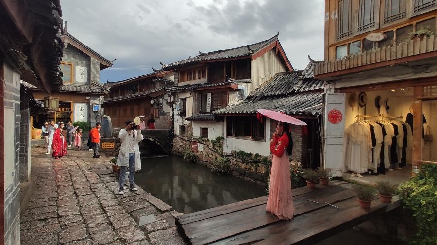 探访第四届海外华文新媒体高峰论坛举办地:丽江好风光