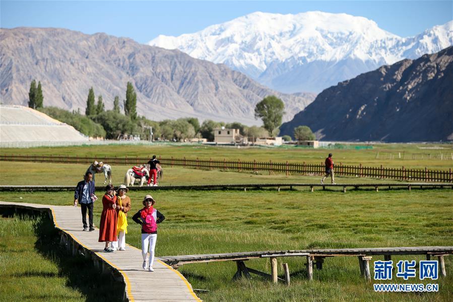 新疆塔什库尔干塔吉克自治县迎来旅游旺季