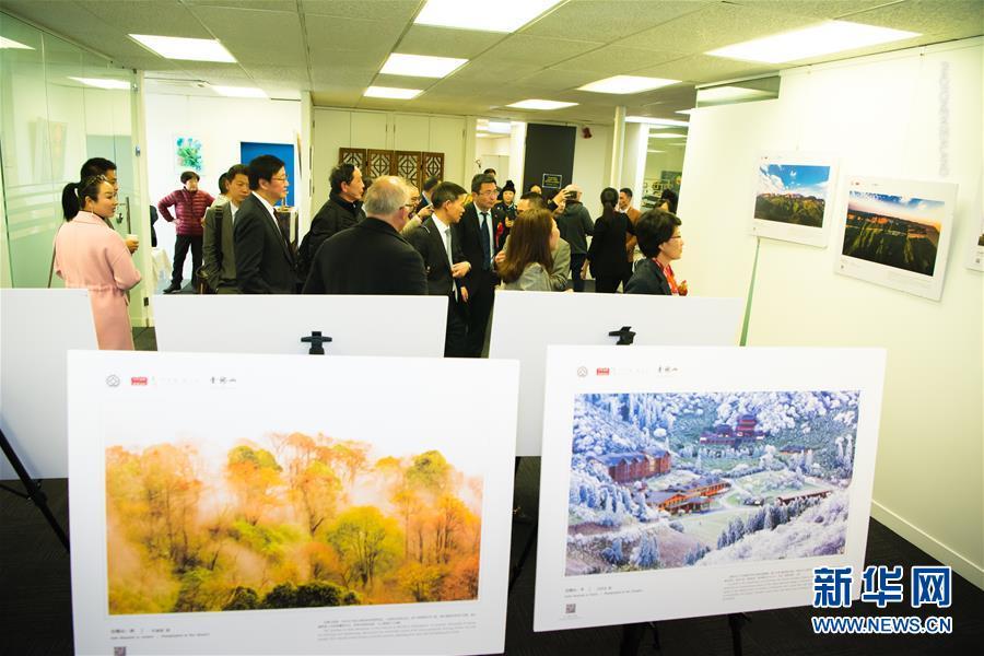 """綦江农民版画和南川风光摄影展在新西兰展现""""重庆魅力"""""""