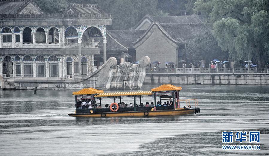 北京市降雨:雨中的颐和园,别有一番韵味