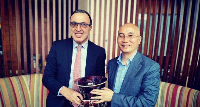 中国海洋战略产业投资基金主席刘剑与保加利亚前总统会谈